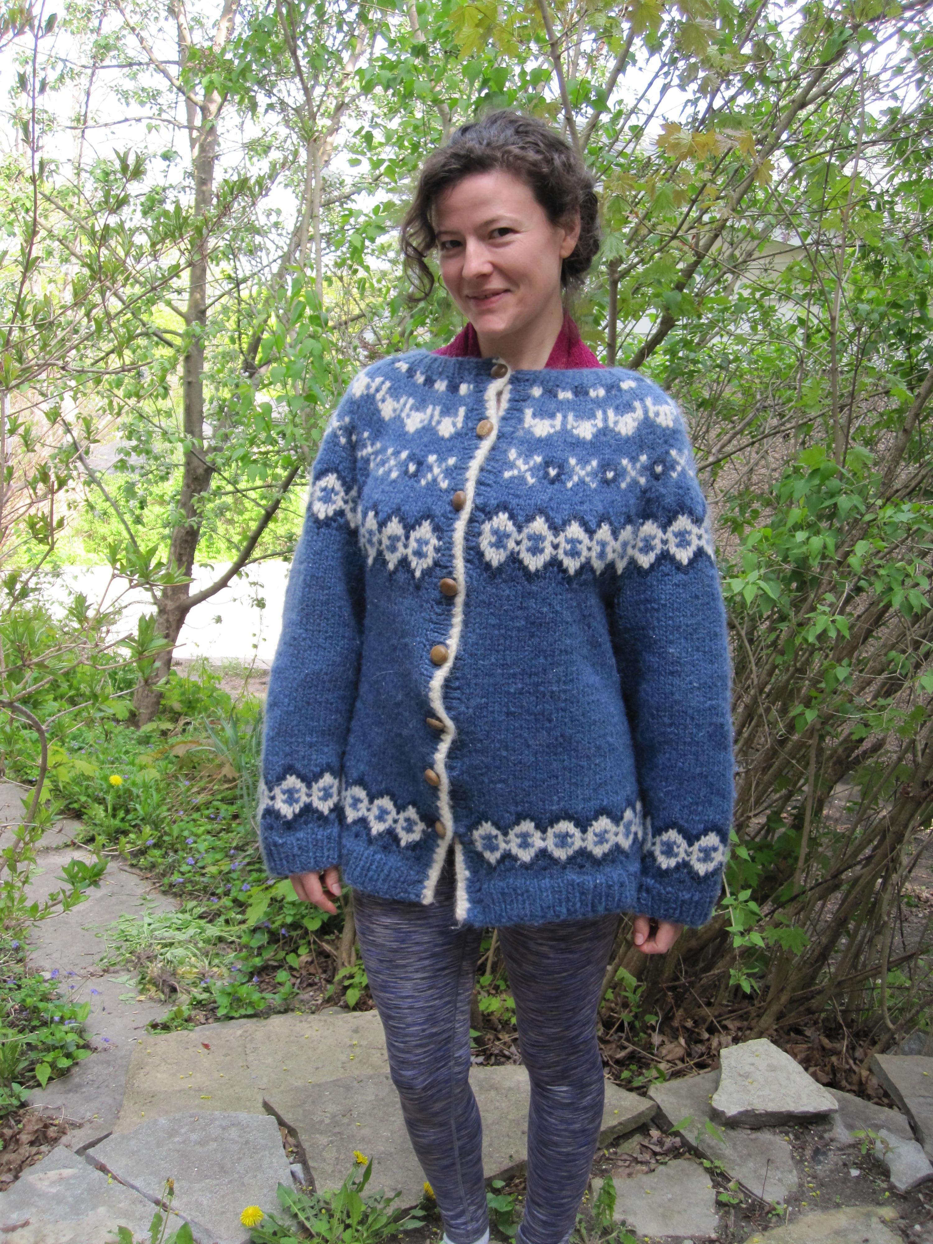 Shawland   Alafoss Lopi Traditional Icelandic design cardigan